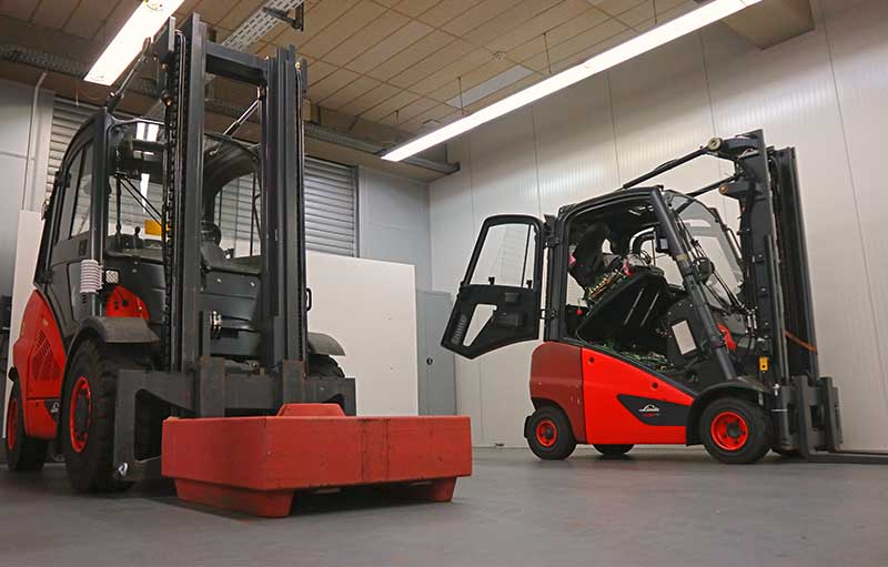 Forklifts in the EDAG Test Center