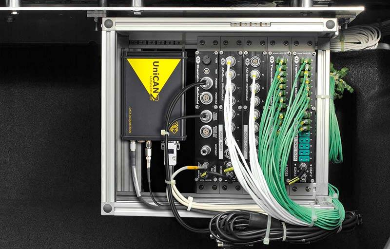 Data logger with measurement modules in the trunk